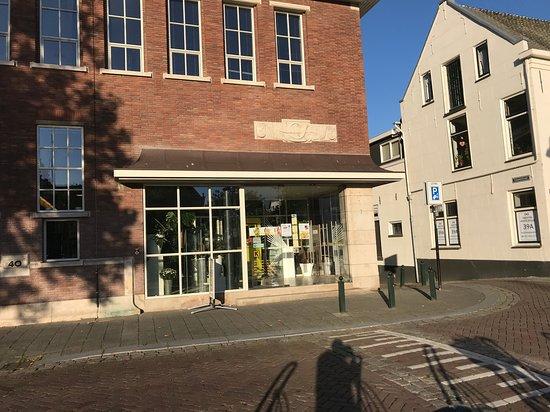 Vlaardingen, Nederländerna: Kade 40 hoofdingang
