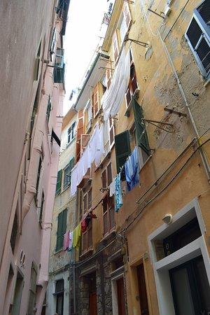 Vernazza: Interior del pueblo con empinadas calles