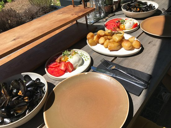 Overijse, Belgio: Burrata / moules / pdt romarin