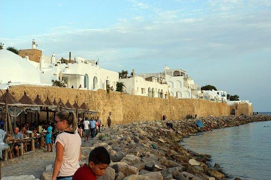 Medina of Hammamet: От моря