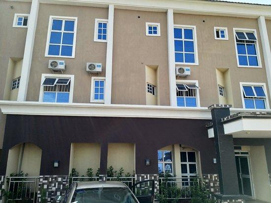 Toorano hotel, Zaria