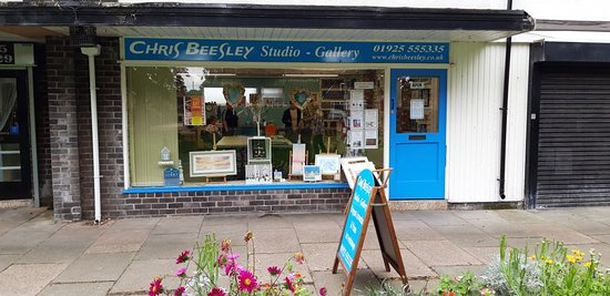 Warrington, UK: Chris Beesley studio gallery