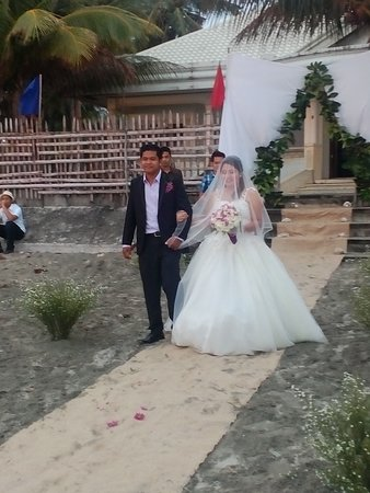 Panay Island, Filippine: The Bride and Groom