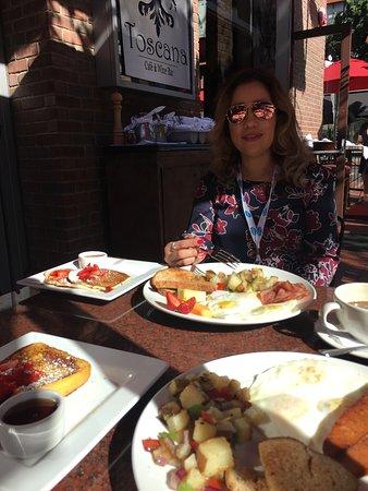 Foto de Toscana Cafe and Wine Bar
