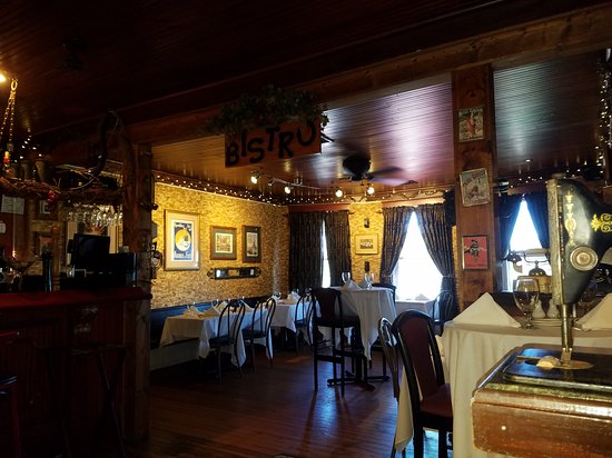The Brentwood Restaurant & Wine Bistro: Upstairs Dining