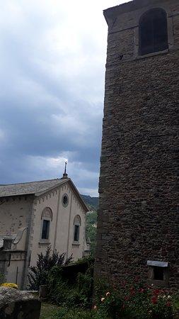 Riolunato, Ιταλία: chiesa con torre