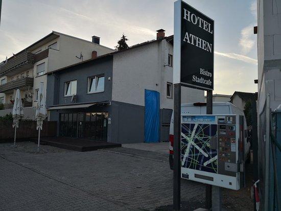 Kelsterbach, Deutschland: Don't believe the advertising