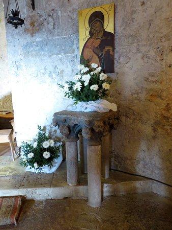 Eremo di Montesiepi: un antico altarino