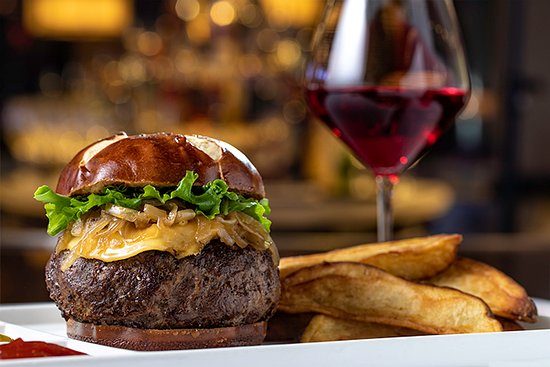 Highland, CA: Wagyu Beef Burger...only at the Pines Modern Steakhouse.