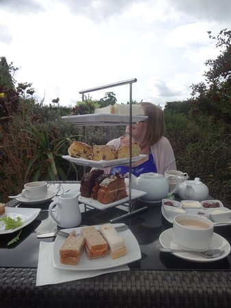 Hadlow, UK: Afternoon tea