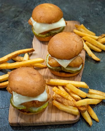 Hard Rock Cafe: Crispy Chicken Sliders-LTO