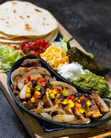 Hard Rock Cafe: Tequila Lime Chicken fajitas-LTO