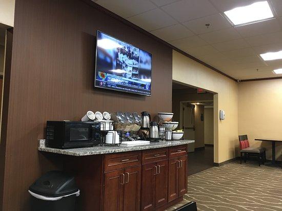 Randolph, MA: Visit: September 2018. (Fruit finally in bowls)