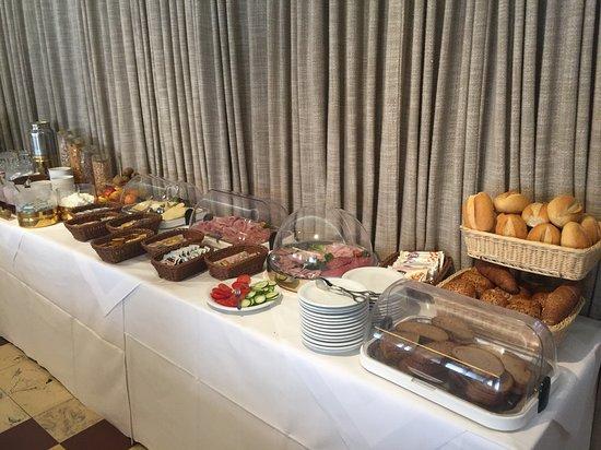 Holzminden, Tyskland: Frühstücksbuffet