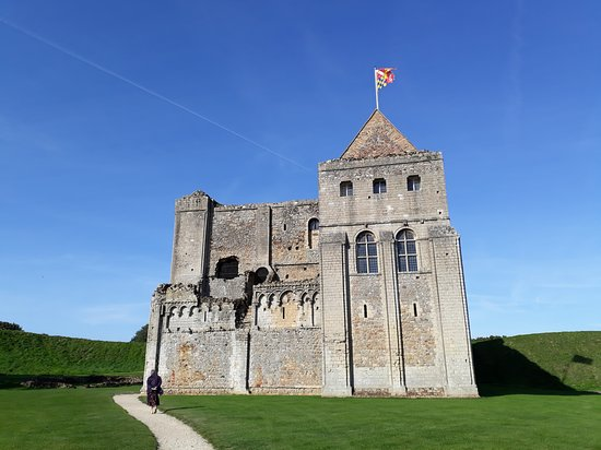 Castle Rising: Castle from entrance