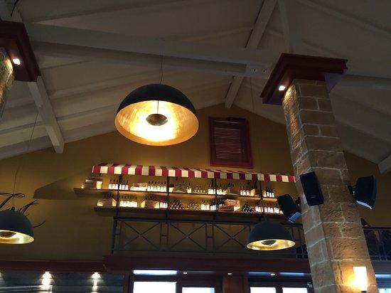 Hohe Decken Und Tolle Lampen Bild Von Cafe Del Sol Hürth