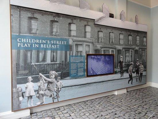 City Hall: Juegos en la calle