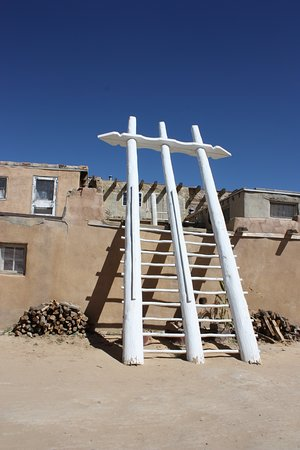 Pueblo of Acoma, Нью-Мексико: stairs to a kiva