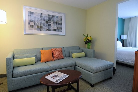 West Warwick, RI: Suite