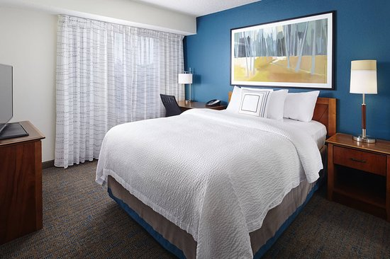 Earth City, MO: Suite