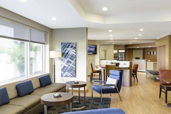 Saraland, AL: Bar/Lounge