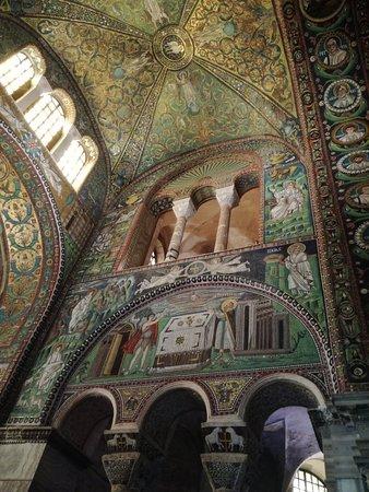 Basilica San Vitale: IMG_20180904_102304_large.jpg