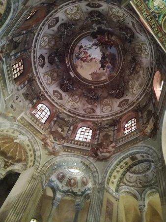 Basilica San Vitale: IMG_20180904_102345_large.jpg