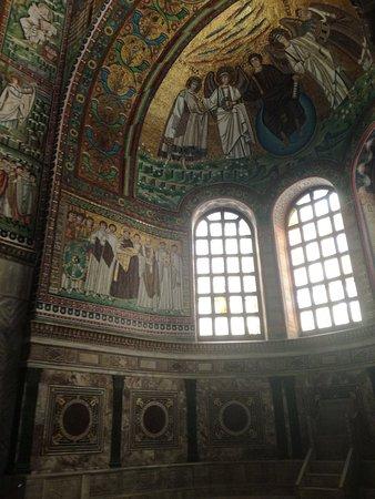 Basilica San Vitale: IMG_20180904_102627_large.jpg