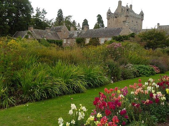 Cawdor Castle: received_332532210646764_large.jpg