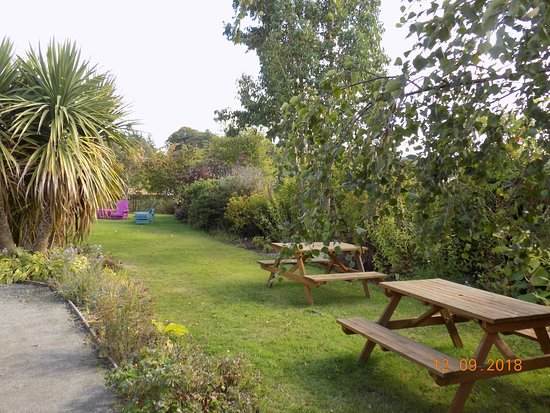 Croy, UK: A view of the outdoor seating area.