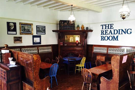 Edgworth, UK: The Reading Room at The Barlow, part of the great Arts and Crafts building
