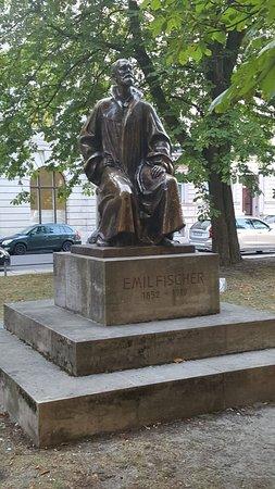Denkmal Emil Fischer