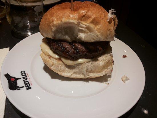 Cimitile, Italia: panino hamburger di chianina