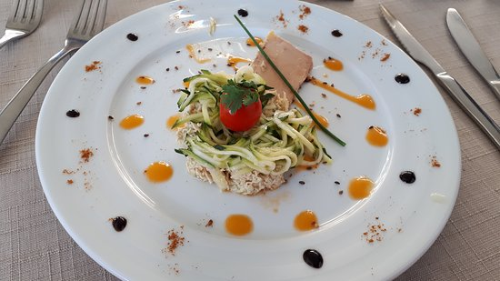 Baudemont, Γαλλία: émietté poulet-foie gras