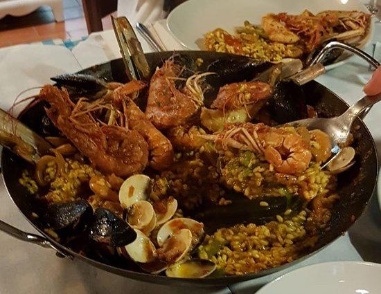 Cisano, Italy: Dopo aver già riempito due piatti...
