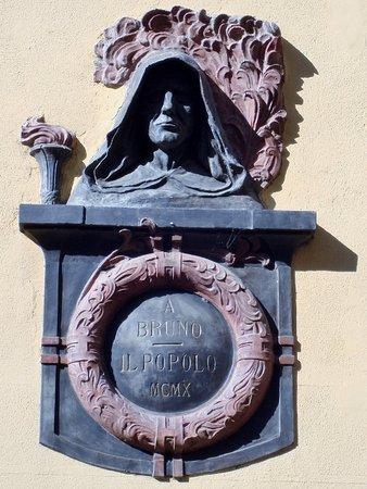 Monsampolo del Tronto, Italia: Il monumento a Giodano Bruno