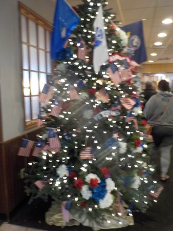 Patriotic Christmas.Patriotic Christmas Tree Picture Of Middlesex Diner