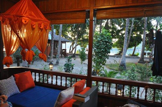 Blue Bay Divers: Vue terrasse bungalow
