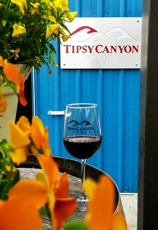‪Tipsy Canyon Winery‬