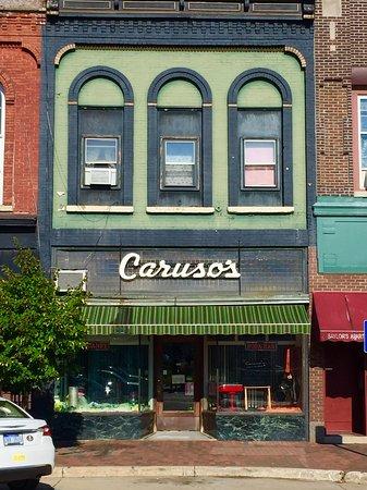 Dowagiac, Мичиган: Caruso's