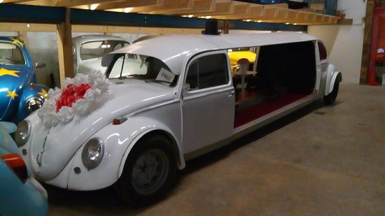 Saint-Sulpice, Schweiz: VW Wedding limo
