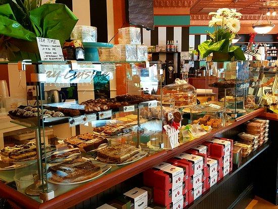 Kilmarnock, Вирджиния: Dine In or Enjoy Good Tastes To Go!