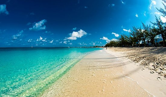 George Town, Grand Cayman: The Cayman Island's breathtaking view. Come and Explore Cayman with us