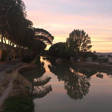 Salleles-d'Aude, Frankreich: Les Volets Bleus