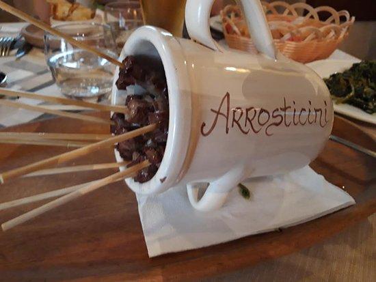 le-rustelle-gli-arrosticini.jpg