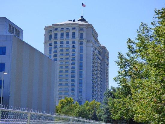 The Grand America Hotel: Bedroom suite
