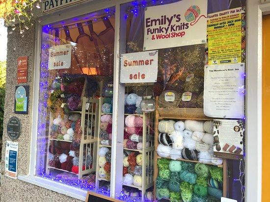 Amroth, UK: wool shop exterior