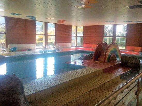 Hallen und Freibad mit Saunalandschaft