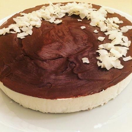 Cipressa, Italy: torta cocco e cioccolato