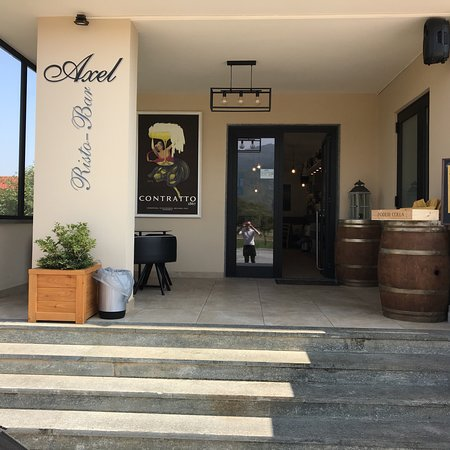 Dronero, Italy: Axel Risto-Bar